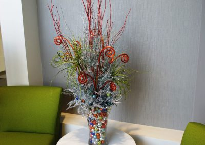 Holiday table top arrangement