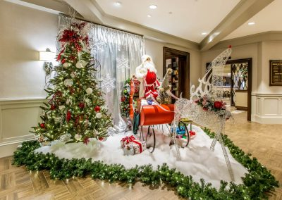 Red & White Santa and Sleigh Scene